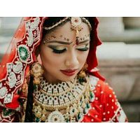 Why Seeking the Best Bridal Makeup Artist New York Can Help Brides Look Great