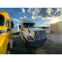 2014 SLEEPER FREIGHTLINER STOCK 1620